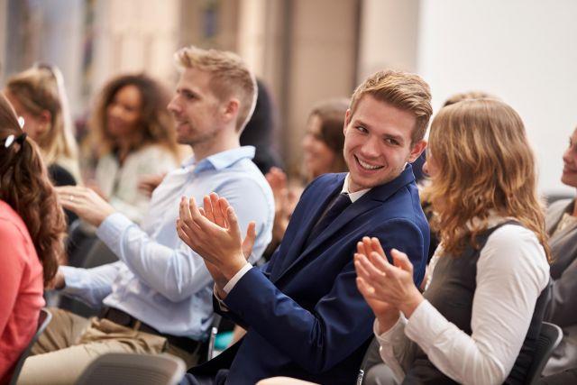 Des solutions efficaces et rentables pour des réunions d'affaires plus réussies