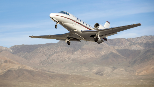 Ensure safety, efficiency and compliance by using charter flights for the mining sector