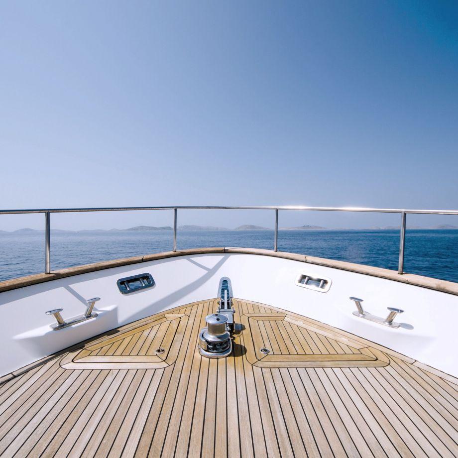 Yacht Logistics